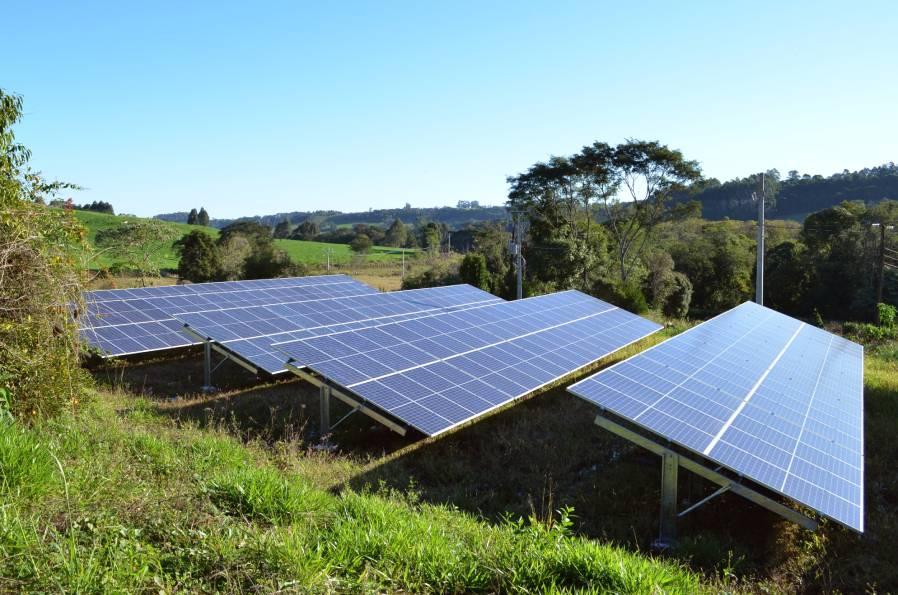 panneaux-solaire-suit-le-soleil-exemple